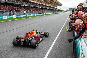 Verstappen noemt vooruitgang bij Red Bull in 2017 'zeer indrukwekkend'