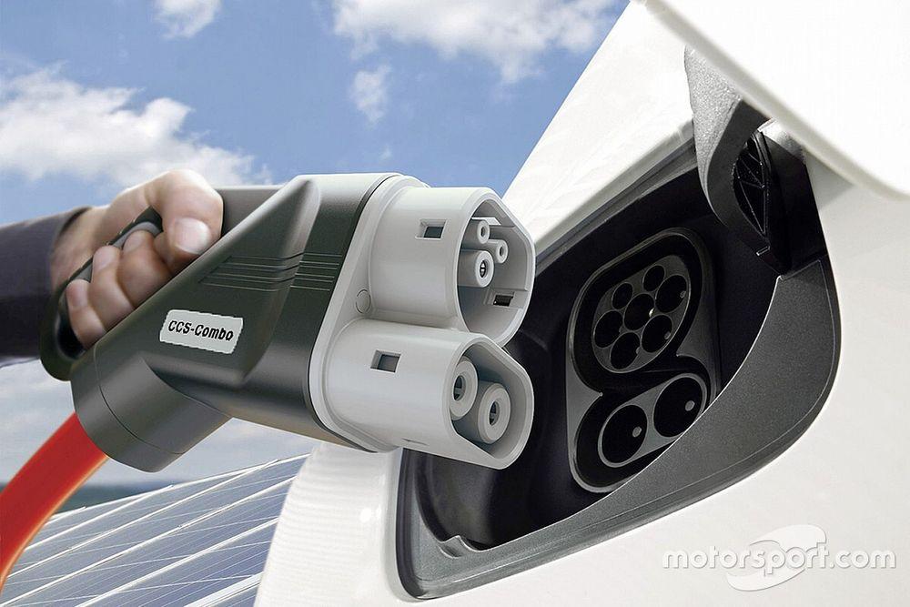 WRC 2022: tender FIA per trovare il fornitore di energia ibrida