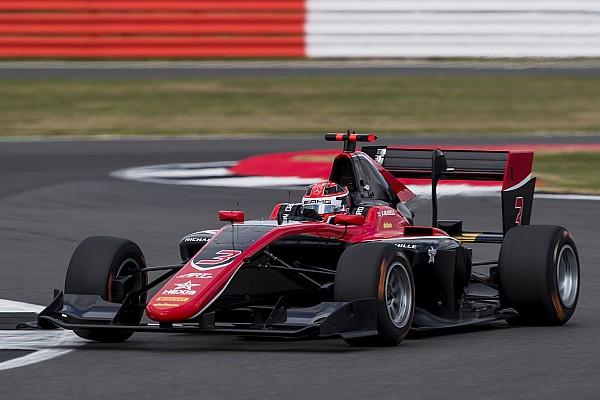 GP3 Silverstone: Russell slaat dubbelslag met zege in hoofdrace