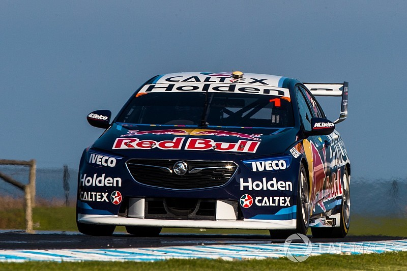Whincup loses second due to pitstop infringement