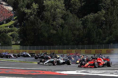 """Raikkonen over touché met Verstappen: """"Het was een fair gevecht"""""""