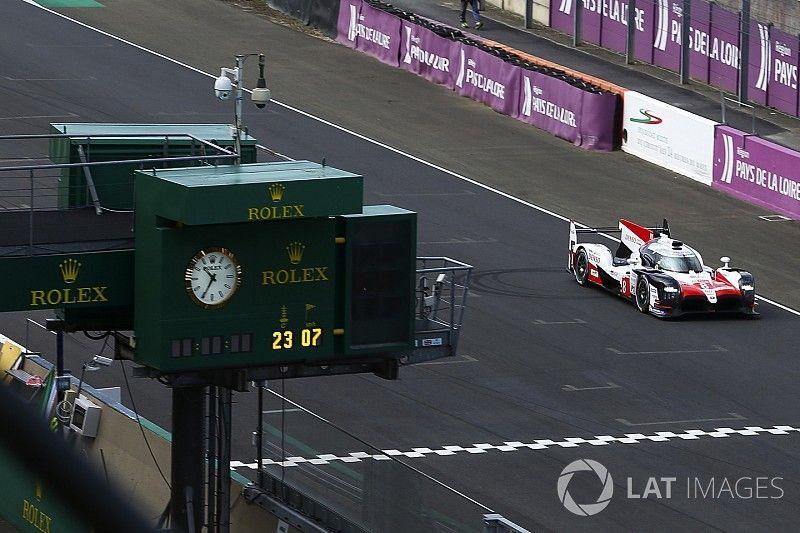 Alonso place Toyota en tête à la mi-journée