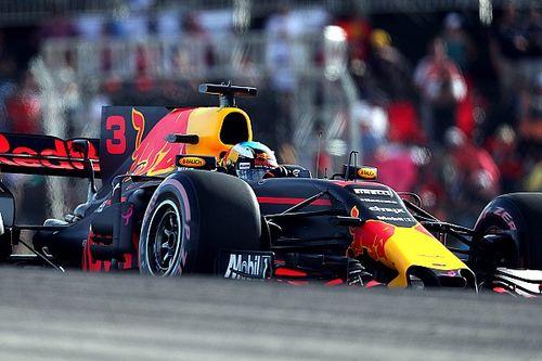 "Ricciardo ""had no idea"" about Verstappen engine upgrade"