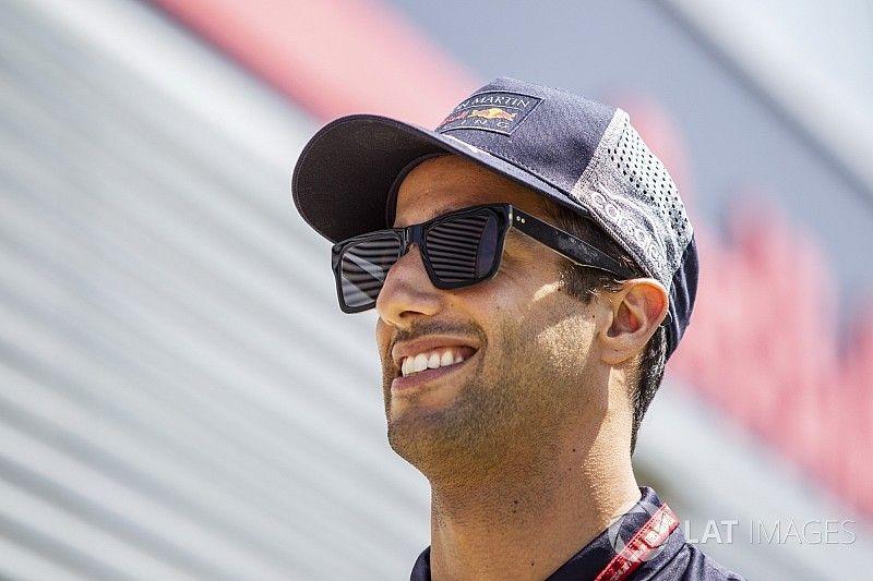 """Ricciardo seguirá en Red Bull porque las alternativas """"están cerradas"""""""