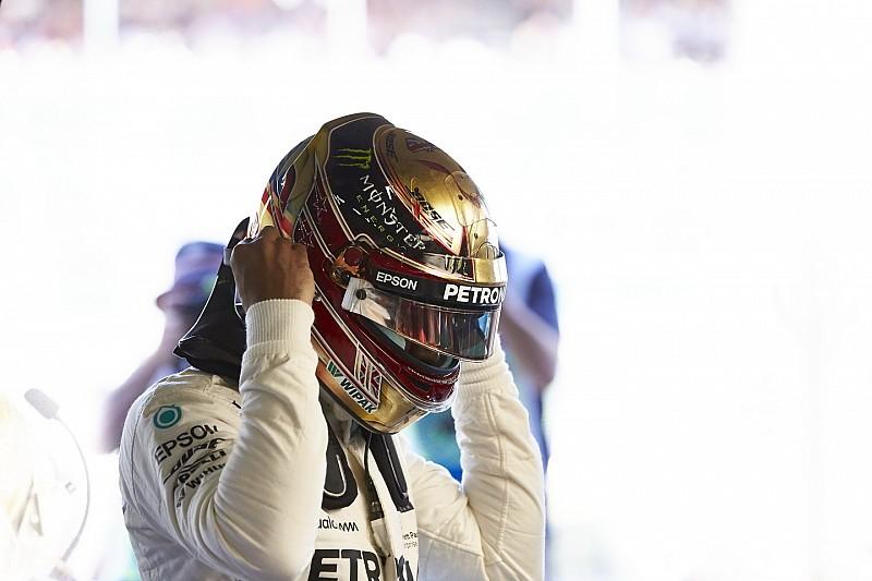 Hamilton haalt uit naar hobbelig Silverstone: