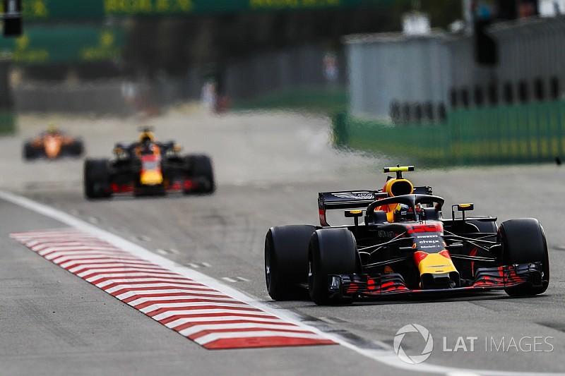 A Red Bullnak szembesítenie kellene Verstappent a hibáival