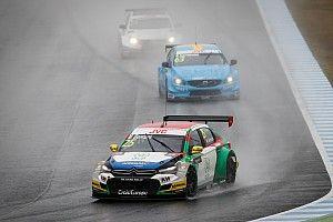 Motegi WTCC: Chilton wins Race 1 as title contenders struggle