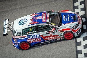 Luca Engstler guida la tripletta Volkswagen in qualifica a Sepang