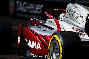 Де Врис выиграл субботнюю гонку Формулы 2