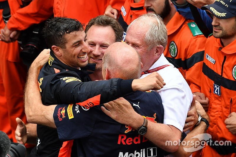 Red Bull beslist eerst over motor, daarna over Ricciardo