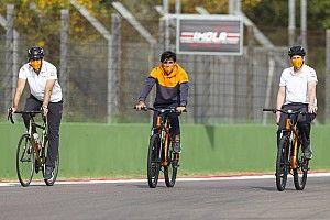 """Sainz: """"Que no pongan excusas, Verstappen también habría querido liderar"""""""