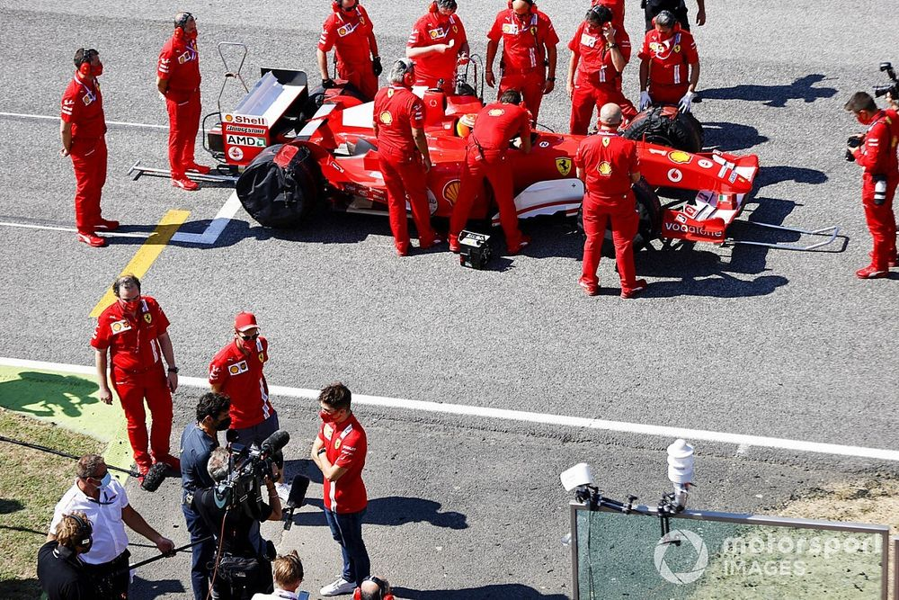 ベッテル&ルクレール、フェラーリF2004にうっとり「すばらしい。良い音だな……」