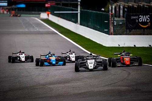 Amargo sábado para Vidales en la Renault Eurocup en Spa