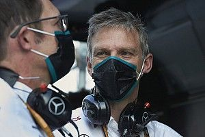 A Mercedes technikai igazgatója elmagyarázta, mire is panaszkodnak sokszor a versenyzők