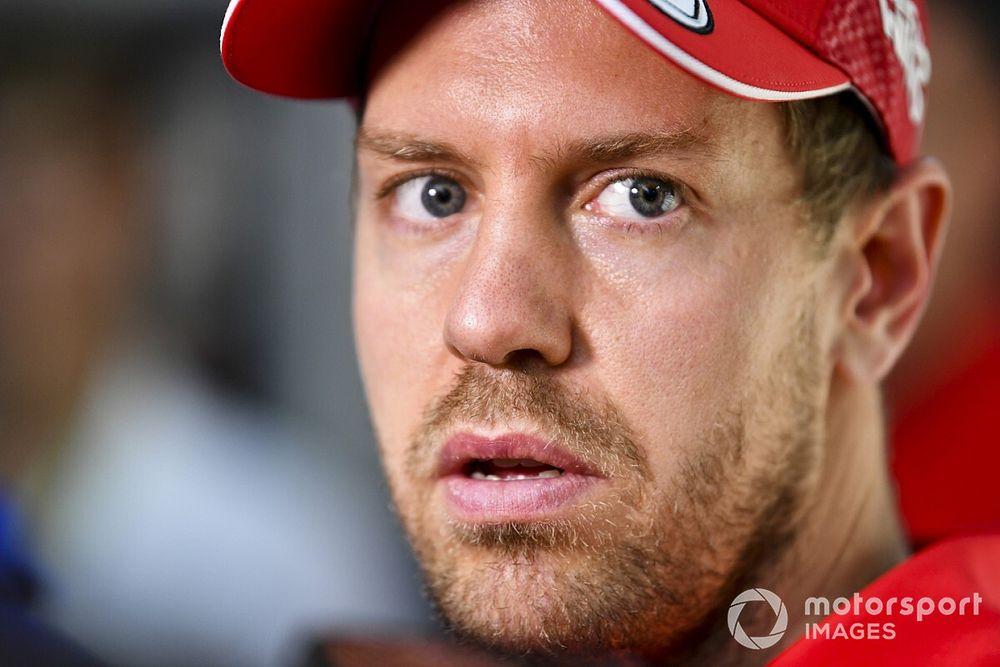 """Mercedes sluit komst van Vettel niet uit: """"Je weet maar nooit"""""""