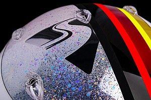 Vettel csillogó sisakja az évadzáró F1-es nagydíjra