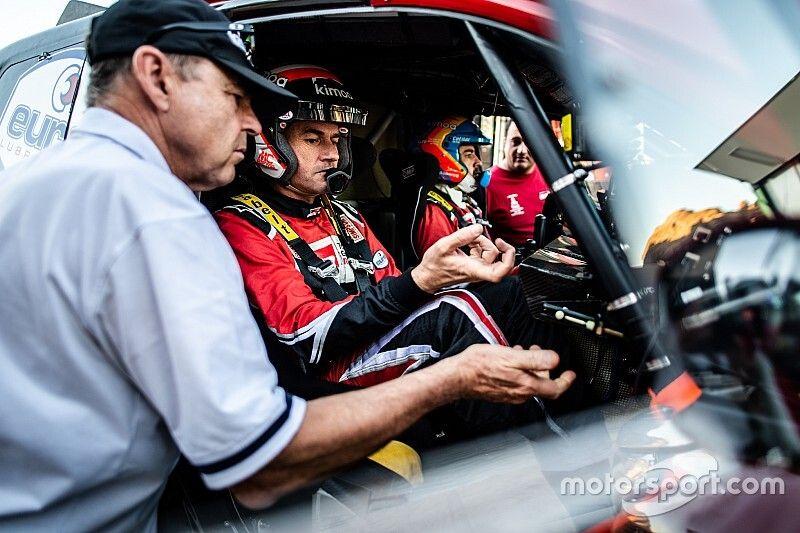 Los consejos de las 'leyendas' del Dakar en coche para Fernando Alonso