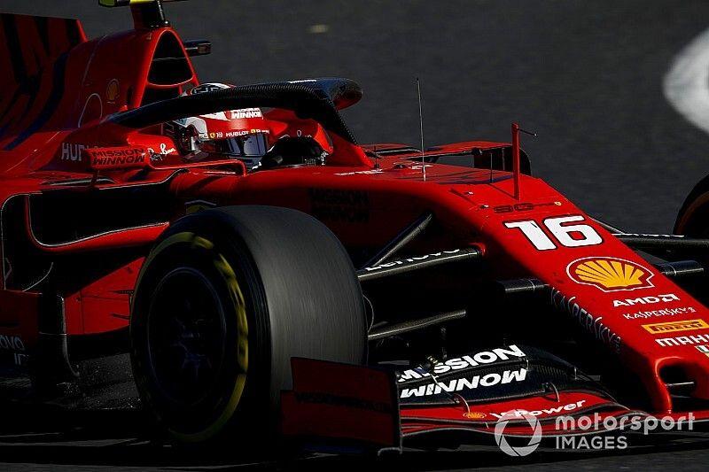 Vídeo: Leclerc hace la mítica curva 130R con una mano, ¿proeza?