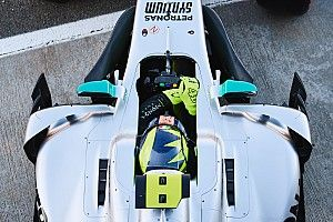 Ride onboard with Valentino Rossi in Mercedes F1 test