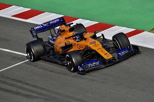 Sainz mantém tempo da manhã e lidera dia; Ferrari não marca tempo