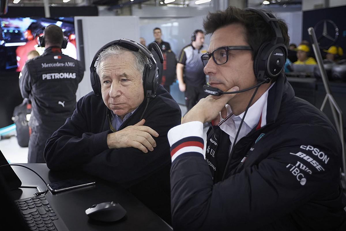 Президент FIA выступил в защиту судей, оштрафовавших Феттеля в Канаде