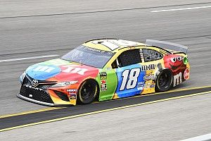 Kyle Busch cruises to Stage 1 win at Richmond