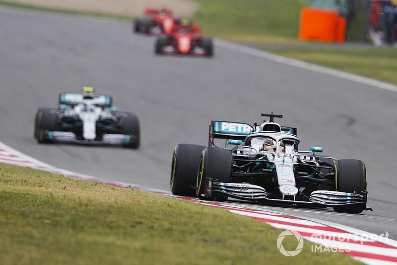 Hamilton szerint a Ferrari nem szabadítja fel a bennük rejlő teljes potenciált