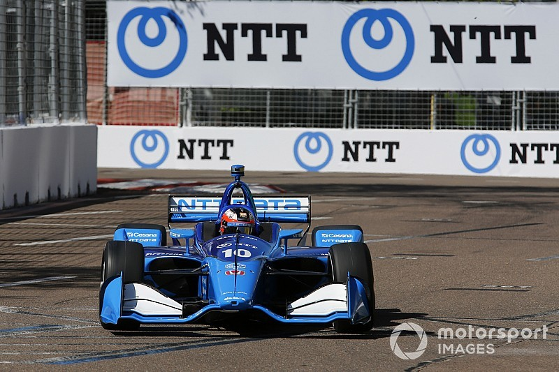 "Rosenqvist completes sensational IndyCar debut with ""one arm"""