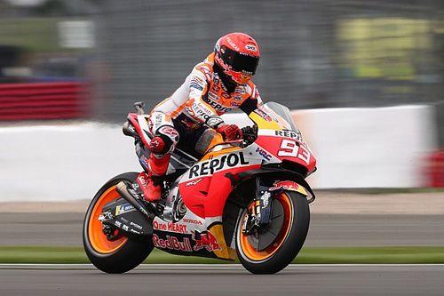 Marquez voor behandeling naar ziekenhuis na zware crash
