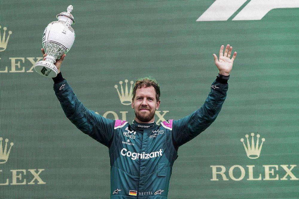 Aston Martin vecht diskwalificatie van Vettel op twee manieren aan