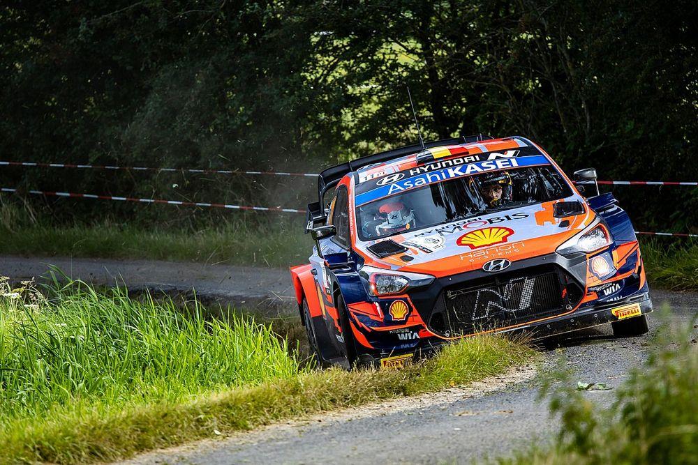 WRC Belgium: Neuville edges team-mate Breen after first loop