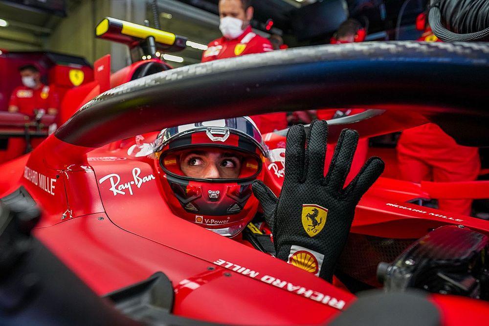 Интервью Сайнса об адаптации в Ferrari и звездных напарниках