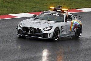 Aston Martin Bakal Dampingi Mercedes Sediakan Safety Car F1 2021