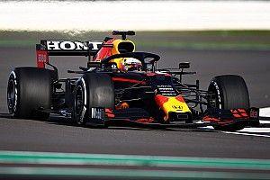 Verstappen, Silverstone'da 2019 RB15'in direksiyonuna geçti