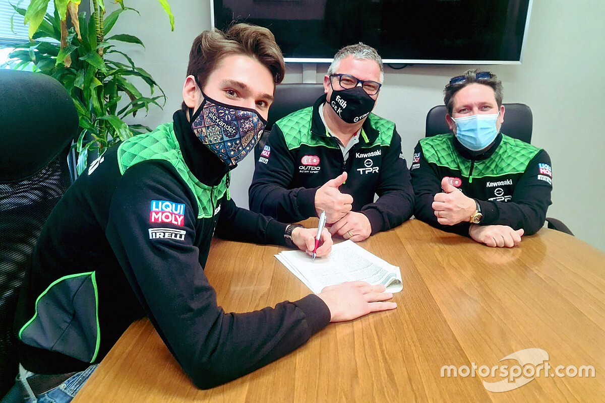 Cavalieri torna full time nel Mondiale SBK con Pedercini