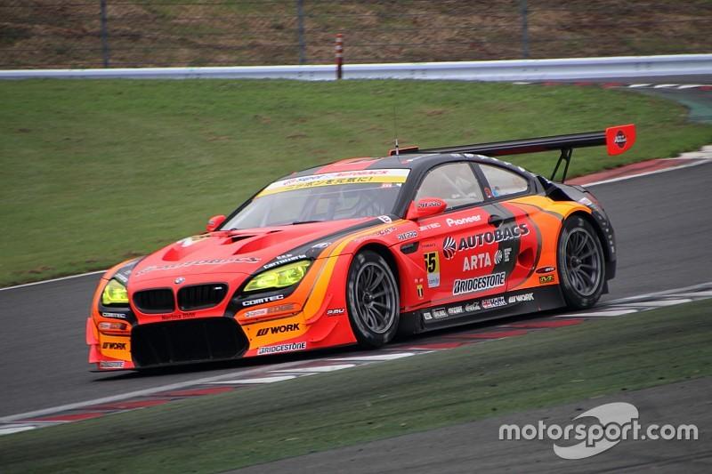 GT300クラス|レース前半を終え、#55 ARTA BMW M6 GT3が大量リード