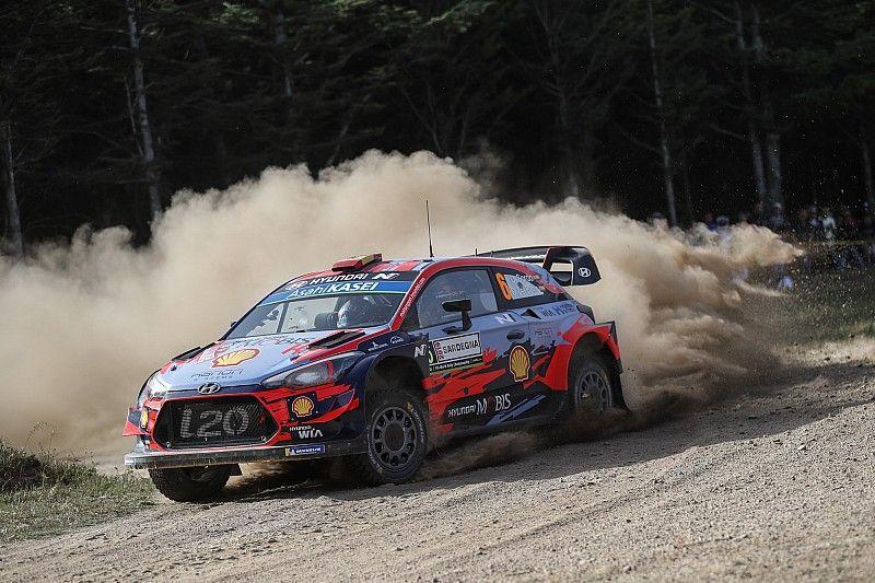 WRC, Rally Italia Sardegna, PS6: Latvala K.O, Neuville sbaglia. Sordo e Tanak in testa!