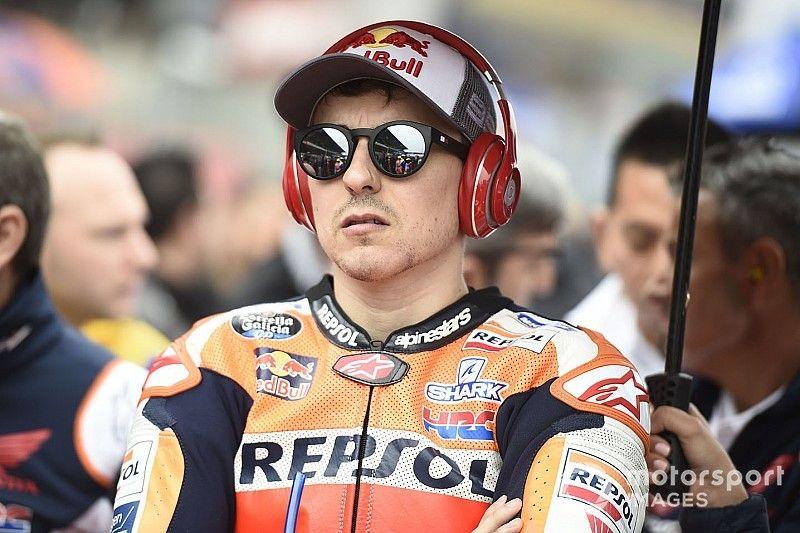 Lorenzo kedvenc pályáján is szenvedett, hétfőn Japánba repül