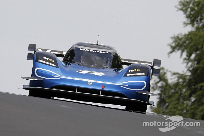 Volkswagen guns for outright Goodwood record with electric ID.R