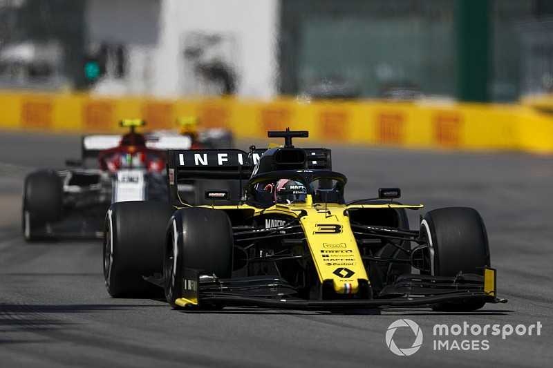 Villeneuve: Ricciardo, not Vettel, deserved penalty in Canada