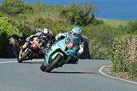 Isle of Man TT: Harrison wint Senior TT na pech Hickman