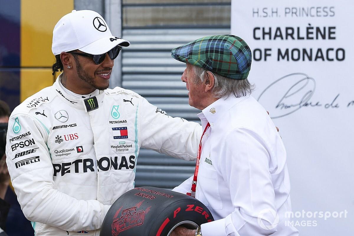 """Stewart rebate Hamilton, afirma estar """"desapontado"""" com crítica e cita dominação da Mercedes"""