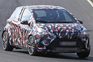 Nuova Toyota Yaris, prime foto spia al Nurburgring?