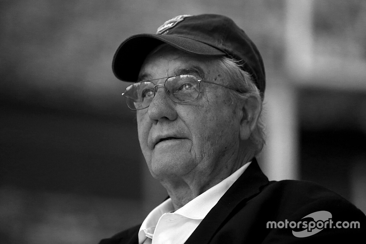 Maurice Petty, NASCAR Hall of Fame engine builder, dies at 81