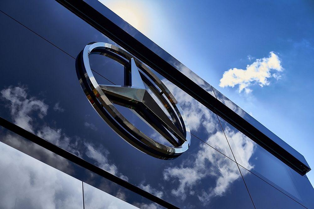 Большой босс Mercedes: Отказаться от Ф1? Это безумие