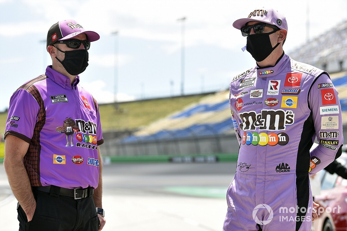 Two NASCAR Cup Series playoff crew chiefs suspended thumbnail