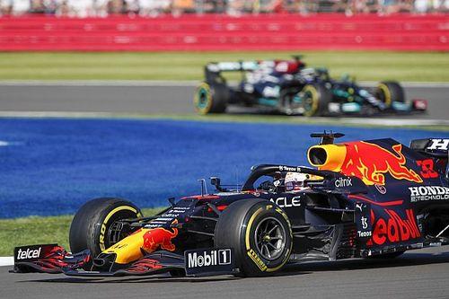 Átlagosan 22 ezredmásodperc választja el a Red Bullt és a Mercedest az időmérőkön