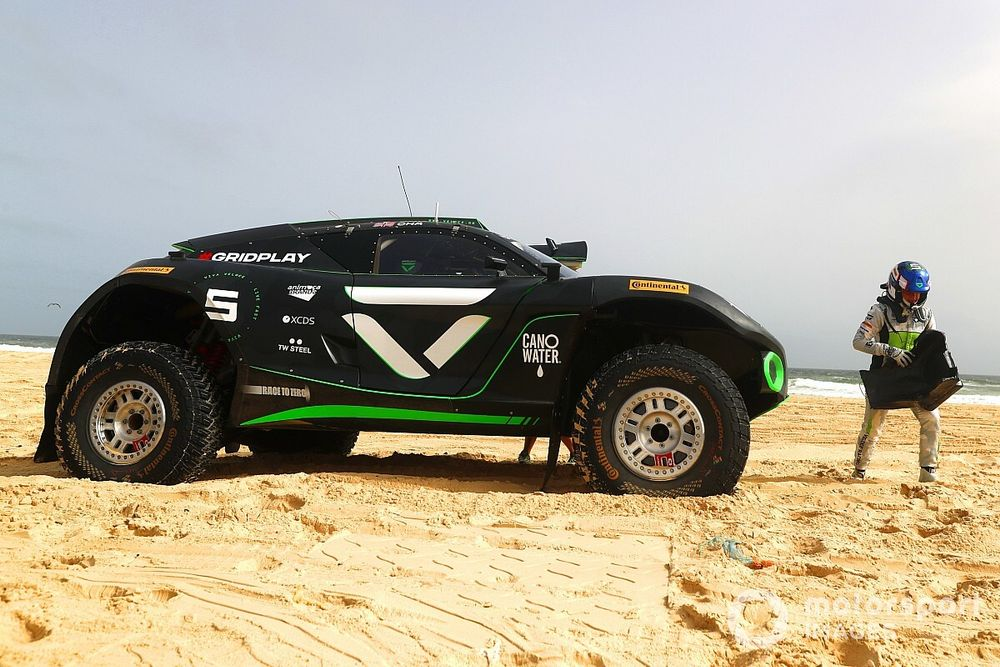 Chadwick to miss Arctic Extreme E as Gilmour gets Veloce drive