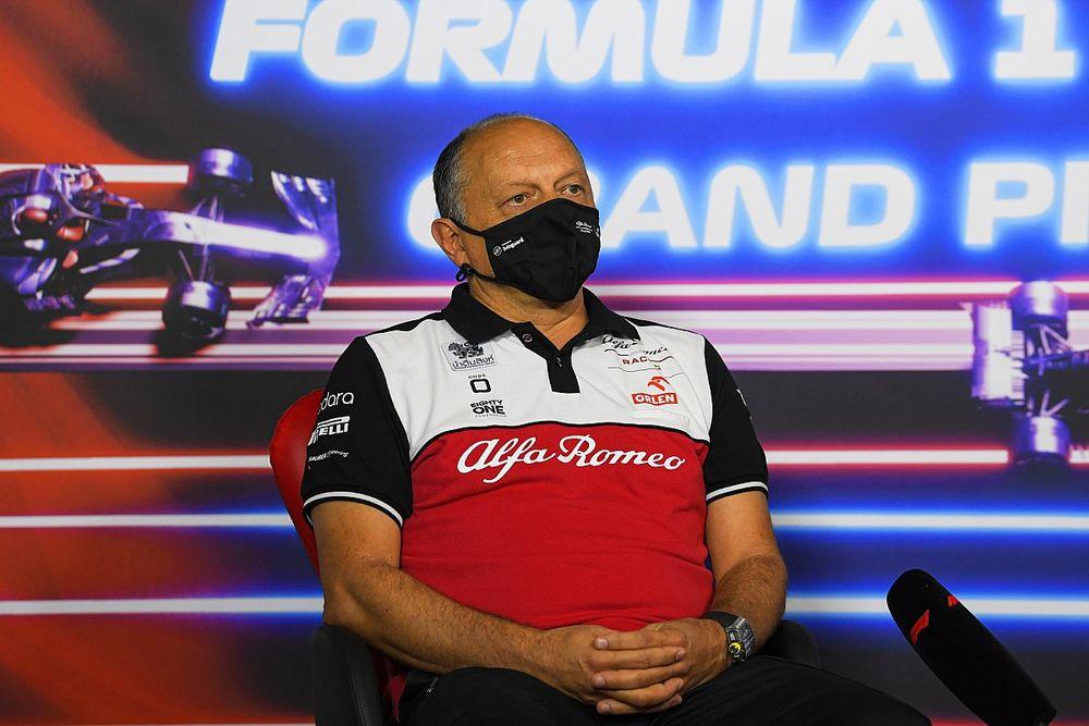 Alfa Romeo pilot kararını geciktirecek