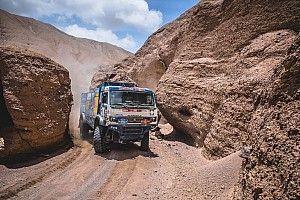Tabrak penonton, peserta Dakar didiskualifikasi